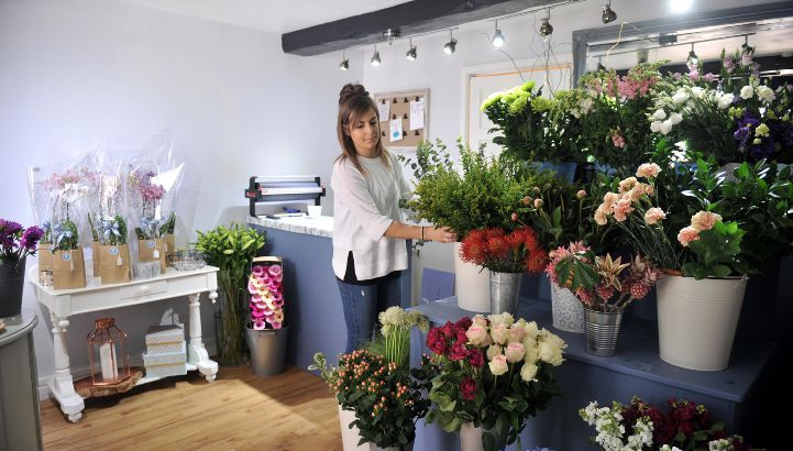 FLORIST --- Lauren Hart who has opened up her own florist in Ulverston, called, Bluebell and Ivy Tuesday 31st May 2016 LINDSEY DICKINGS